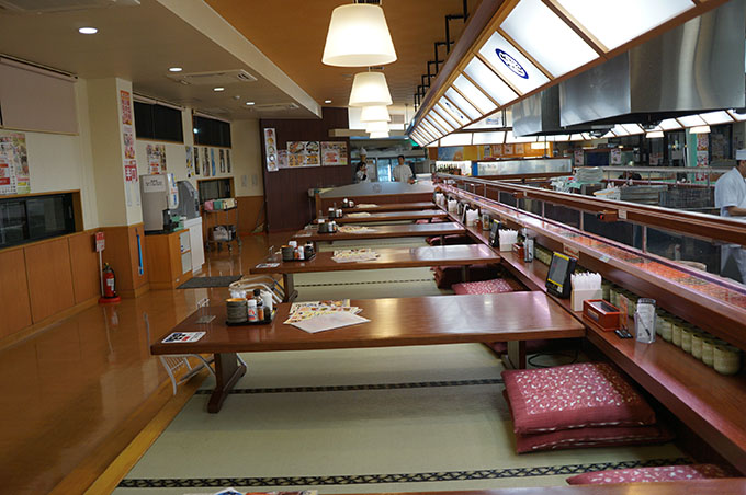 おんまく寿司 西条店 座敷