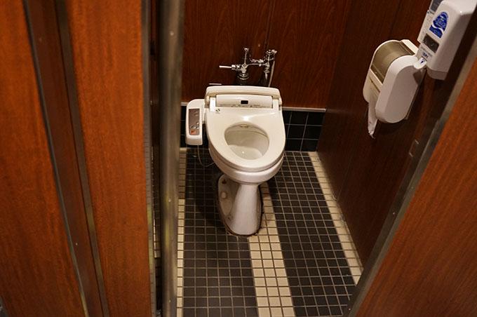 きたかみ トイレ 個室